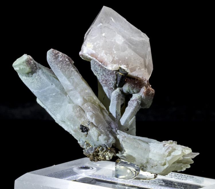 Scepter quartz on prase quartz quick view altavistaventures Choice Image